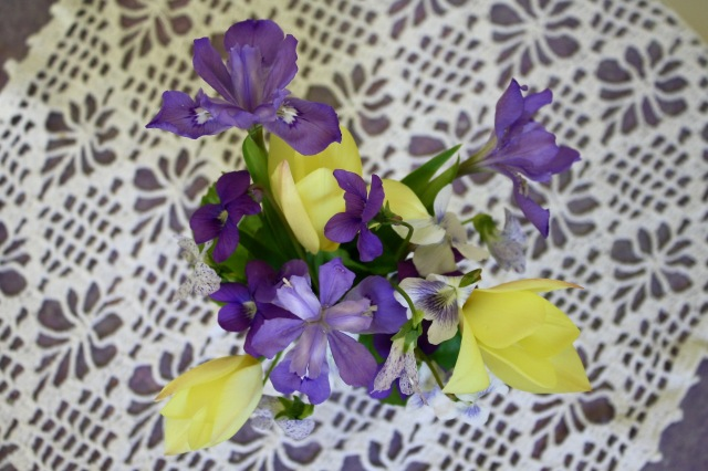 Tulip/Iris flower arrangement